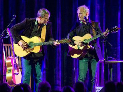 Stereo sound of two fine guitarists